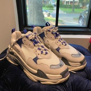 Balenciaga Triple S Newish with box and dust bag